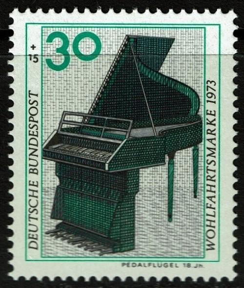 Germany-Piano-B504.jpg